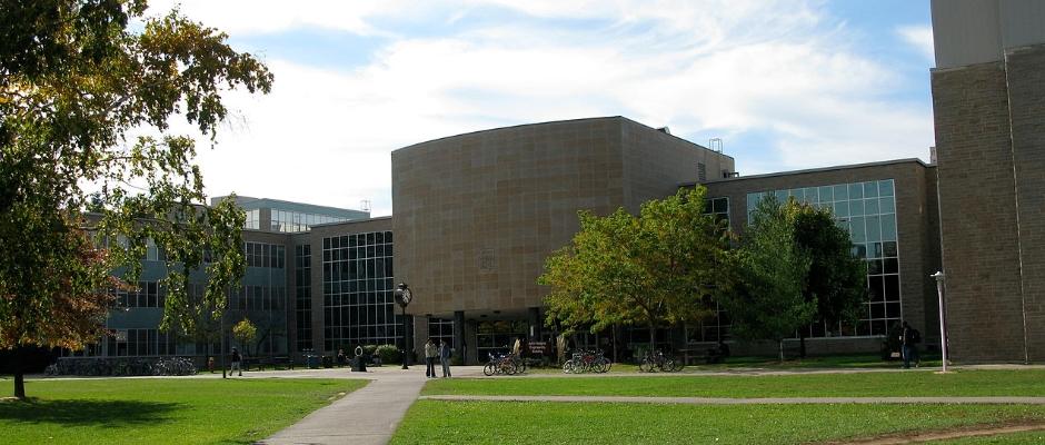 麦克马斯特大学全景图片
