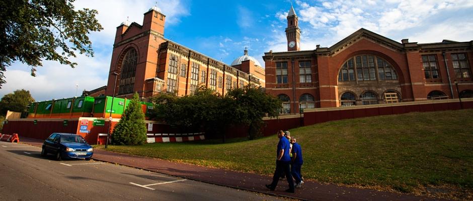 伯明翰大学全景图片