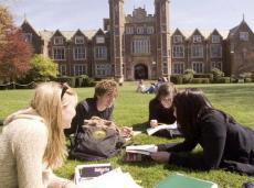2015年留学英国大学商科TOP10(附雅思分数要求)
