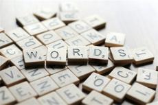 托福词汇积累中不容忽视的4类小词