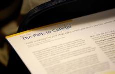 为什么部分美国大学不再将SAT/ACT成绩作为必要性录取标准?