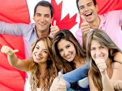 天上真的掉馅饼儿了?加拿大留学生居然最快2年就能入籍