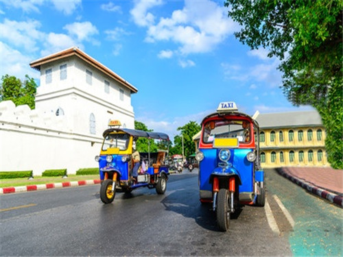 留学生海外驾车必知 中国驾照全球使用大全