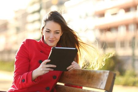 【写作资料】托福写作语料库之度假时是否应该带着手机
