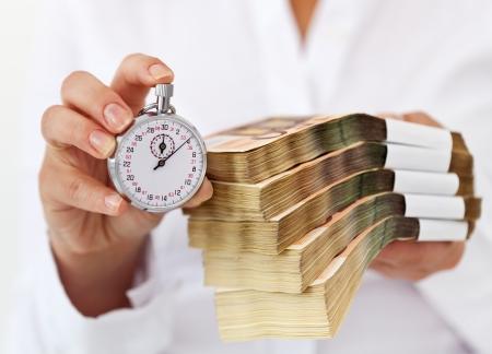 留学费用和时间与回报不对等 百万留学背后的苦楚你可明白?