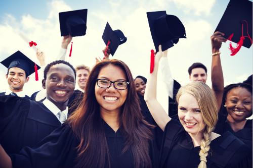 想进名校难毕业更难 美国毕业率最高与最低的大学排名