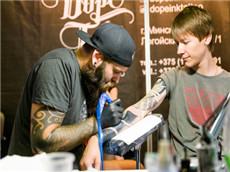 【每日晨读】经济学人GRE双语阅读 美国纹身者求职依旧艰难