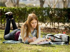 出国留学别只盯着哈佛耶鲁 这些接地气的名校才是中国留学生最爱