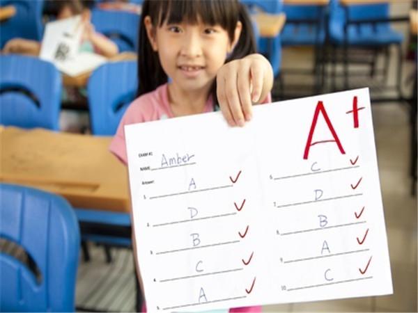 美国留学生活须知 高中成绩单该如何看?