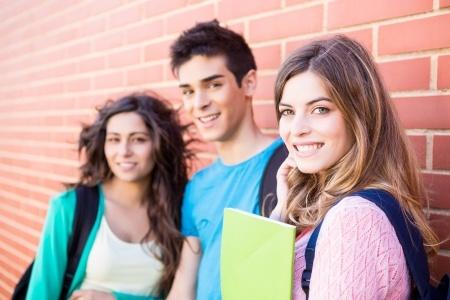 """出国留学你想好了吗? 阶级固化下我们能否借助留学来""""翻身"""""""