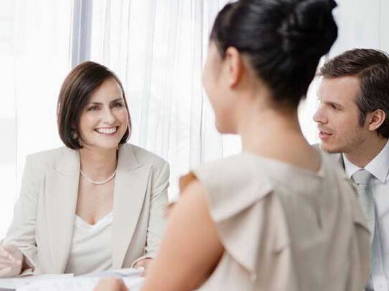 9-12月雅思口语题库P3话题答案范文:a company or organization that employs a lot of people