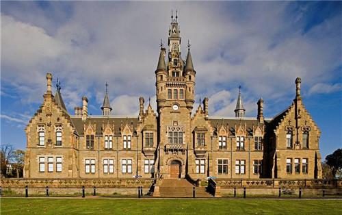 爱丁堡大学语音专业英国排名第一 世界排名/录取条件/就业前景全解析看过来!