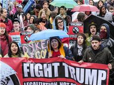 【每日晨读】经济学人GRE双语阅读 美国女权游行抗议特朗普