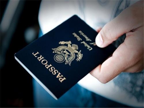 美国儿童性侵犯无处遁形!其犯罪记录将被印在护照上
