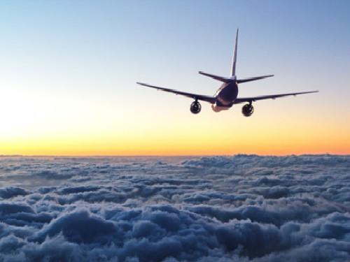 抵制!美精神航空将华裔一家赶下飞机 2岁儿子哭闹竟是罪!