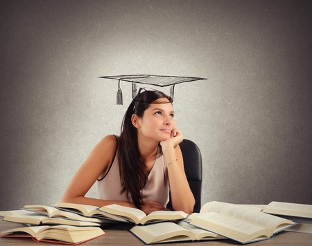 """名校留学学什么?哈佛 1000 多页的课程名单告诉你""""天真""""才能学知识"""