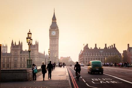 2019年英国留学风向标:英国TOP50名校申请GPA要求大盘点