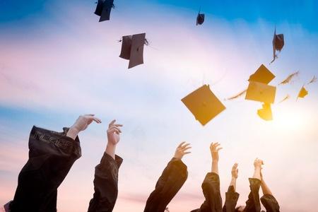 美英加澳 谁是最佳本科留学目的国?(附四国留学费用表)