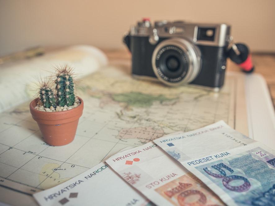 英国留学最便宜的15所院校 一年学费不到15万软民币!