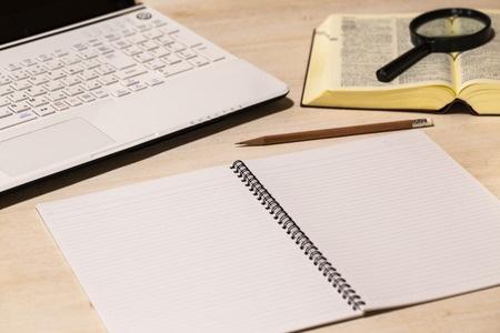 留学推荐信写作指南 如何挑选一位合适的推荐人?