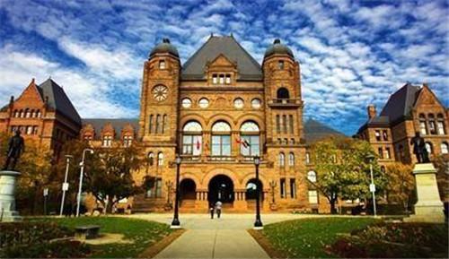 如何申请加拿大硕士留学?这些入学条件你知道吗?