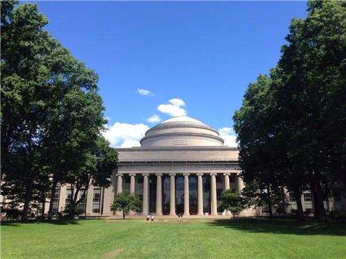 申请美国顶级商学院MBA的GMAT成绩要求