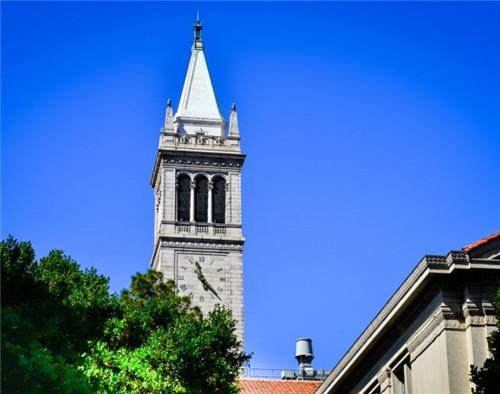 美国留学毕业季 部分学校想毕业比登天还难