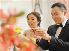GRE经济学人双语阅读每日精选 中国婚礼铺张现象引发关注