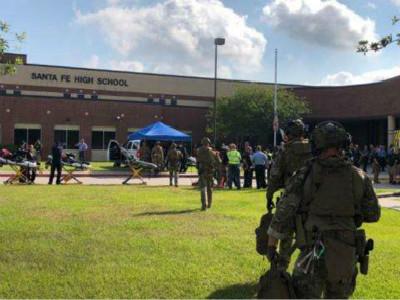 突发!美国得州高中发生枪击 致10死30伤