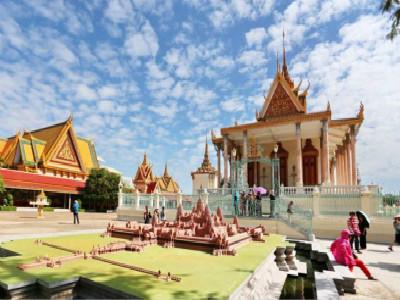 柬埔寨华校学生现场作文获奖 中柬两国文化双语人才发展