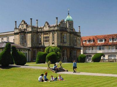 2019英国大学排行榜新鲜出炉 《卫报》注重学生感受
