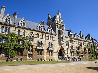 如何用高考成绩申请出国留学 哪些学校认可?