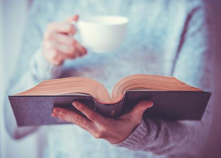 分享托福写作中的经典词汇