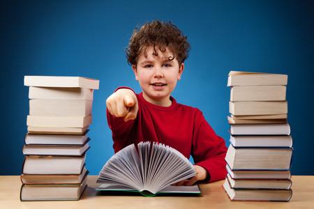 雅思口语考官范文:关于阅读和语言的话题