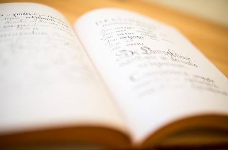 【雅思写作备考】常见高频动词的替换与整理